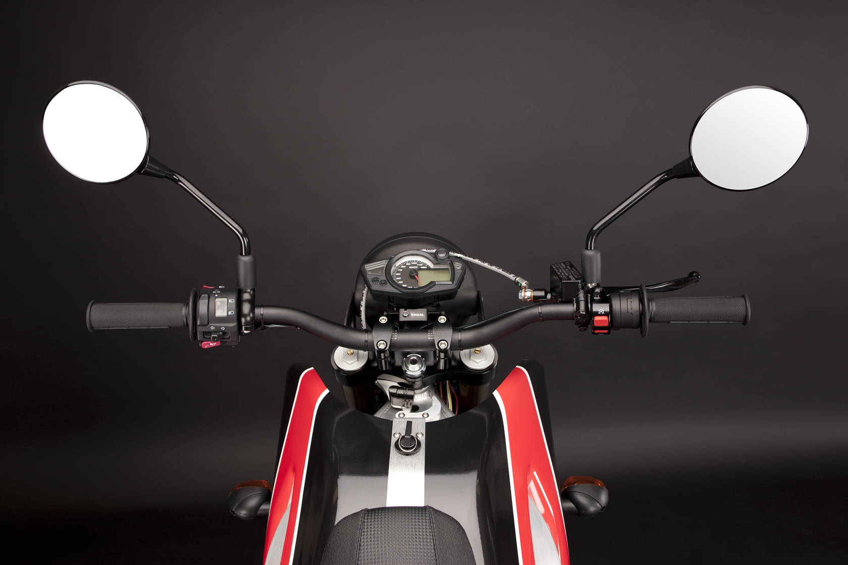 '.2010 Zero DS Electric Motorcycle: Mirrors and Controls.'