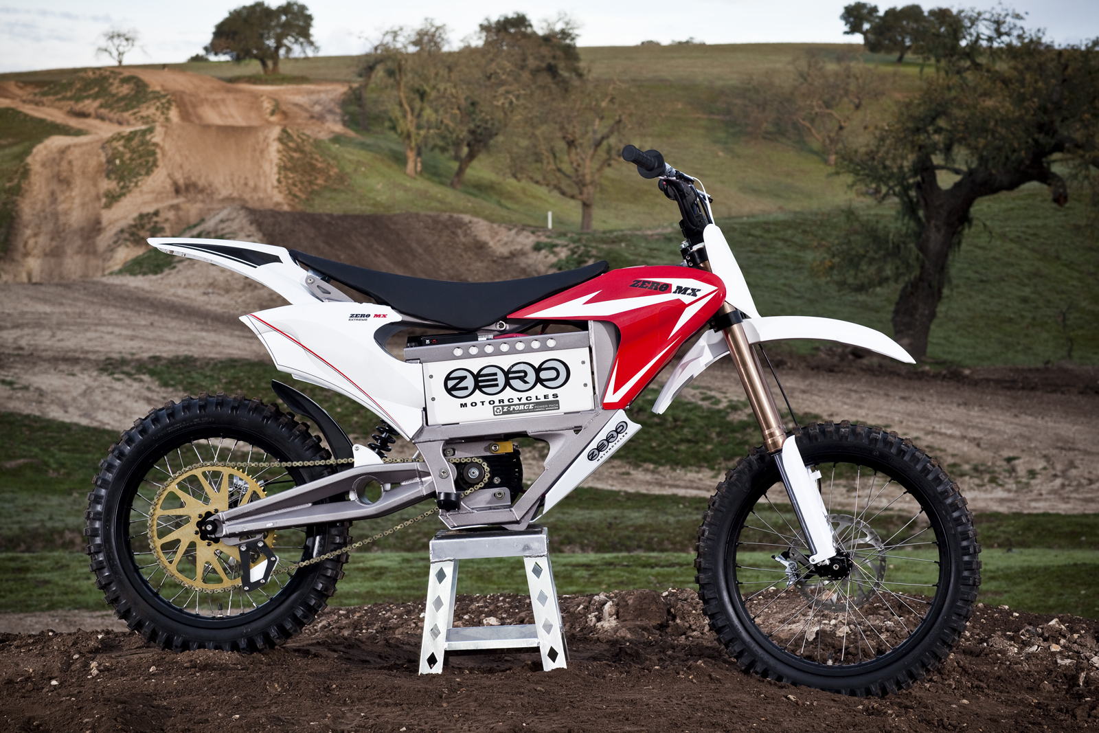 '.2010 Zero MX Electric Motorcycle: Zaca Station - Product Shot at Track.'