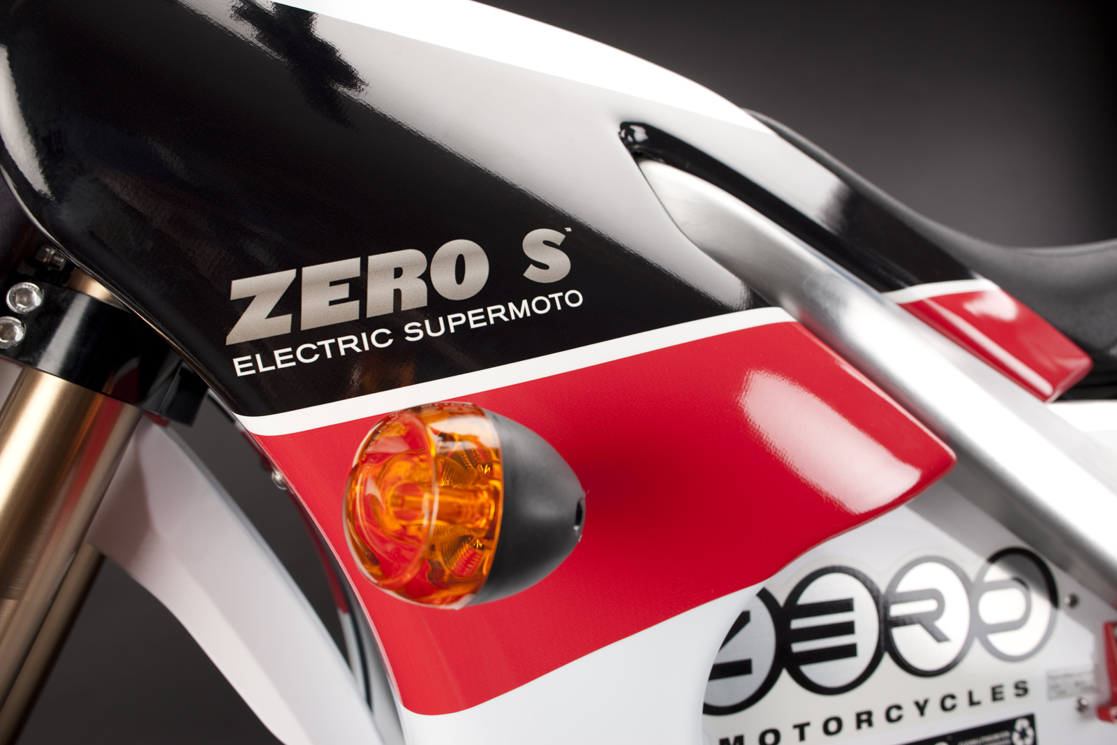 '.2010 Zero S Electric Motorcycle: Turn Signal.'