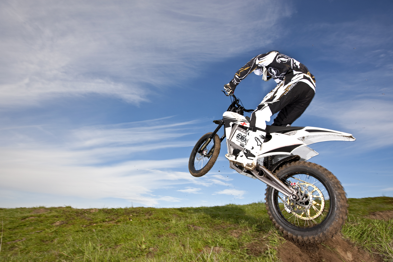 '.2010 Zero X Electric Motorcycle: Zaca Station - Jump Onto Grass.'