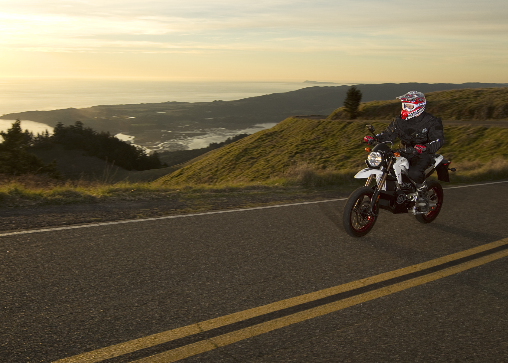 '.2011 Zero DS Electric Motorcycle: Cruising, Pacific Ocean View.'