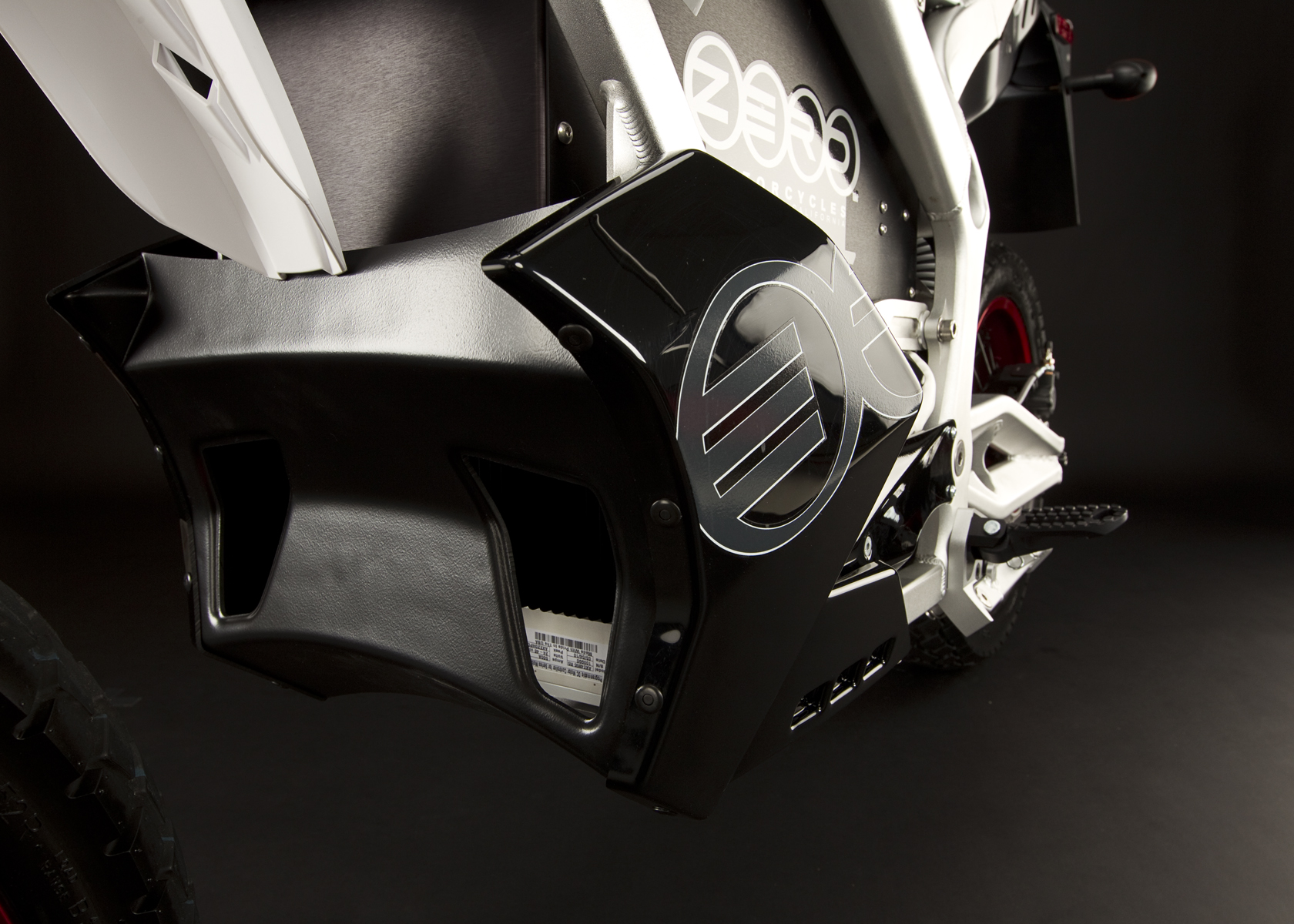 '.2011 Zero DS Electric Motorcycle: Carbon Fiber Vents.'