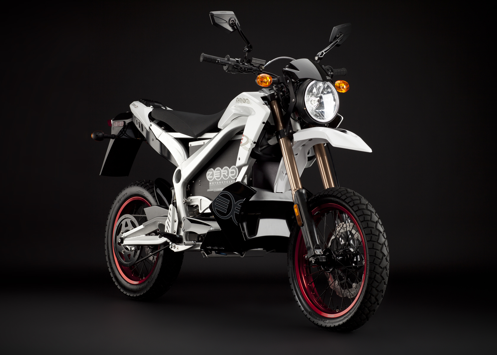 2011 Zero DS Electric Motorcycle: White Angle Right