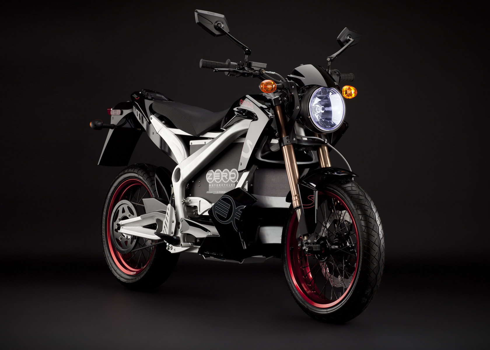 2011 Zero S Electric Motorcycle: Black Angle Right