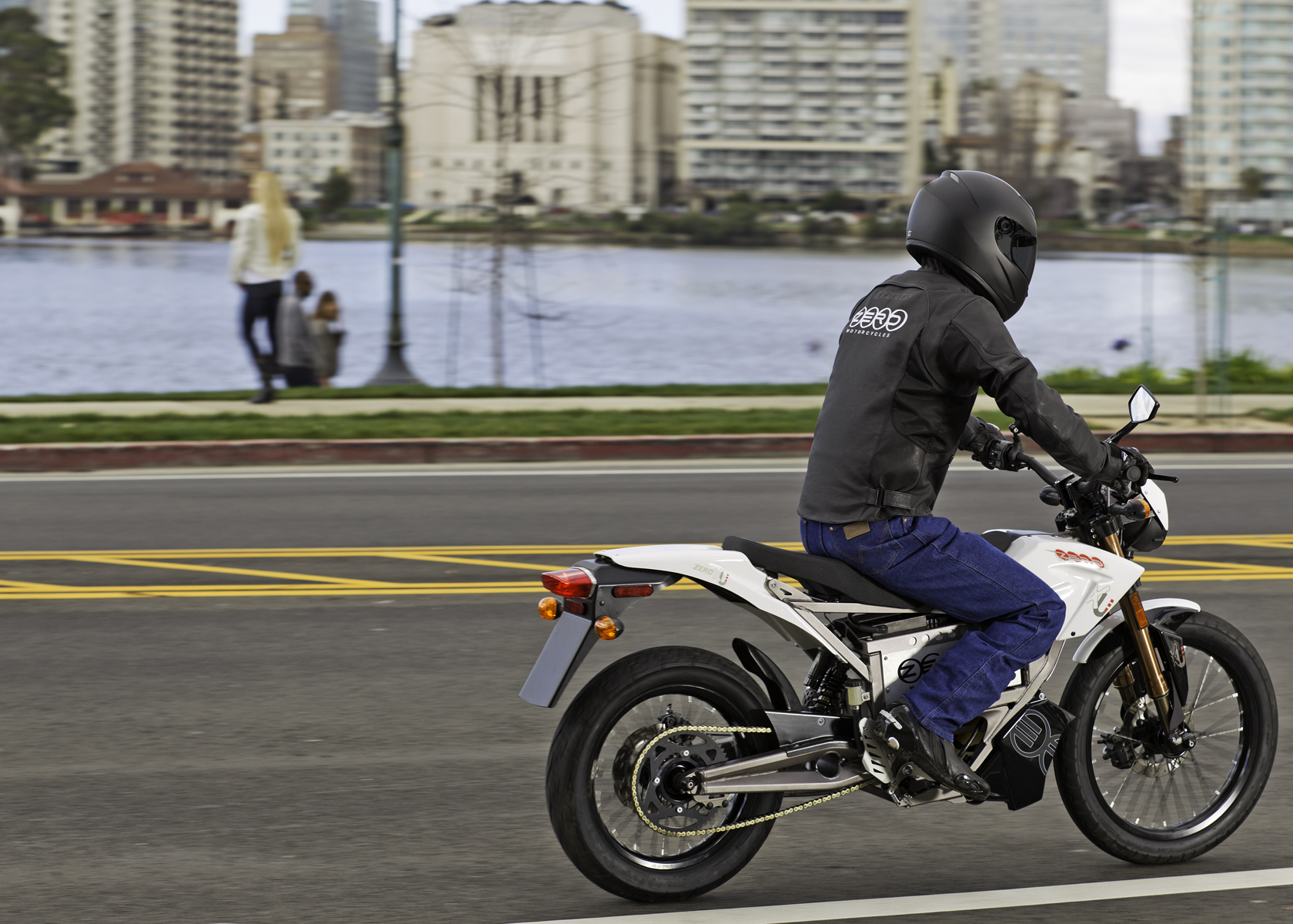 '.2011 Zero XU Electric Motorcycle: On a City Road.'