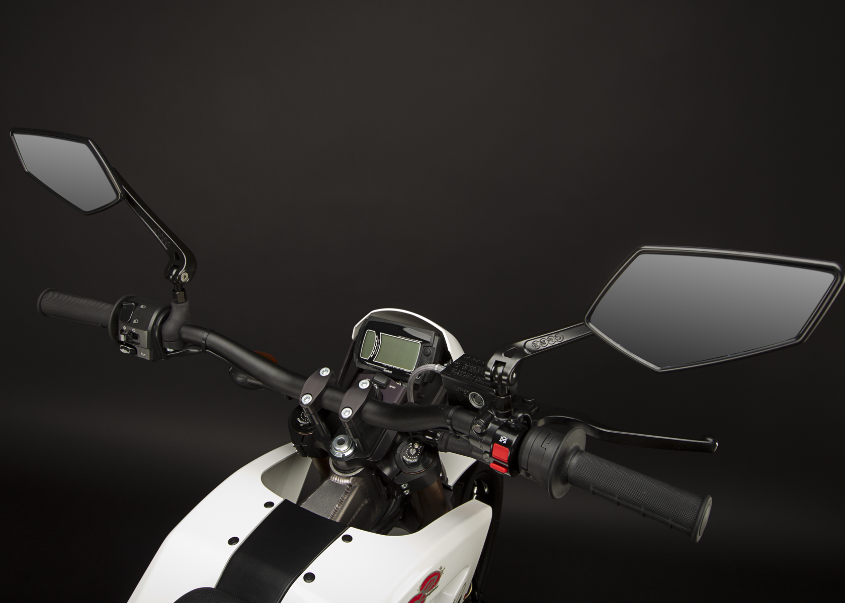 '.2011 Zero XU Electric Motorcycle: Mirrors and Controls.'