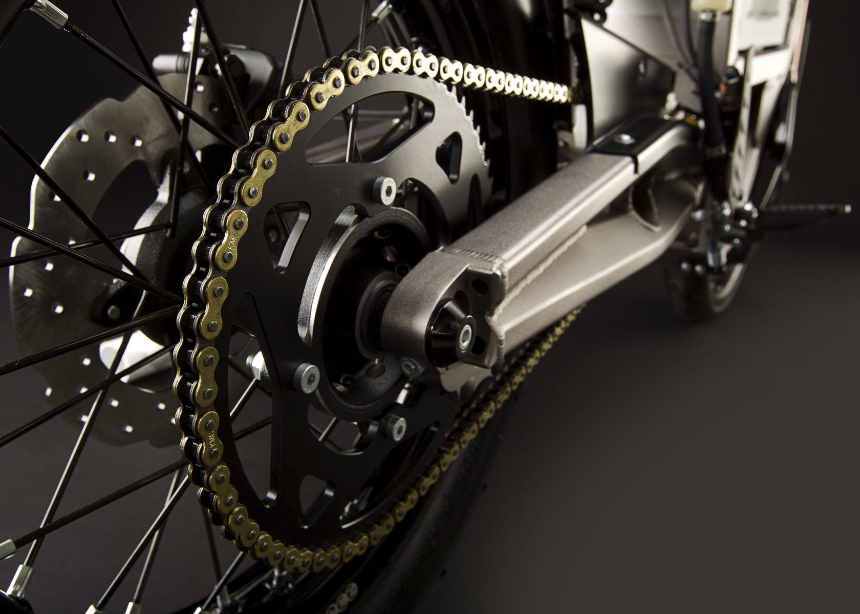 '.2011 Zero XU Electric Motorcycle: Drivetrain / Chain / Sprocket.'