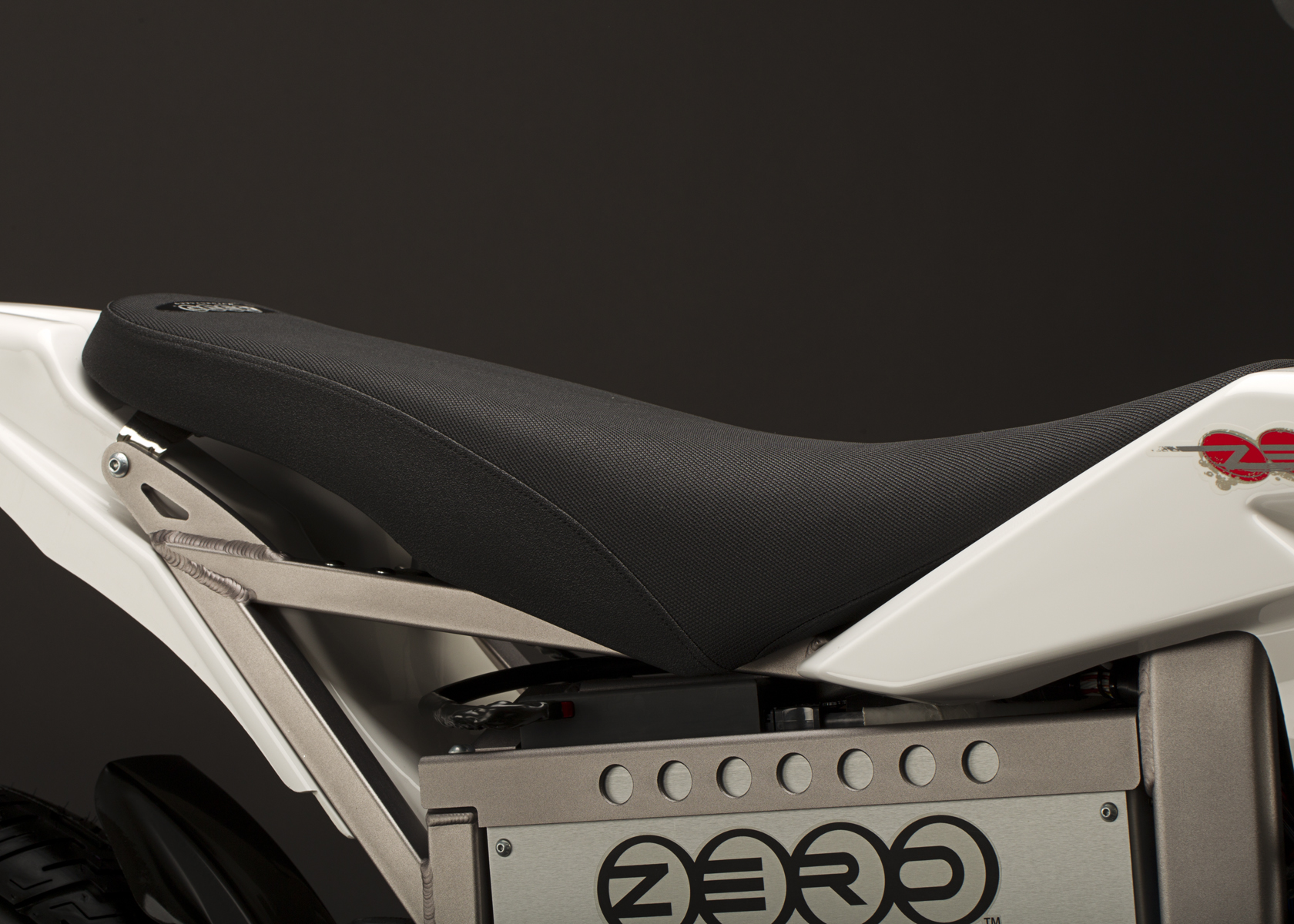 '.2011 Zero XU Electric Motorcycle: Seat.'