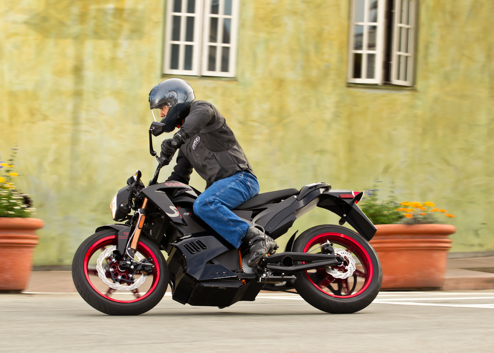 '.2012 Zero S Electric Motorcycle: Capitola Village.'