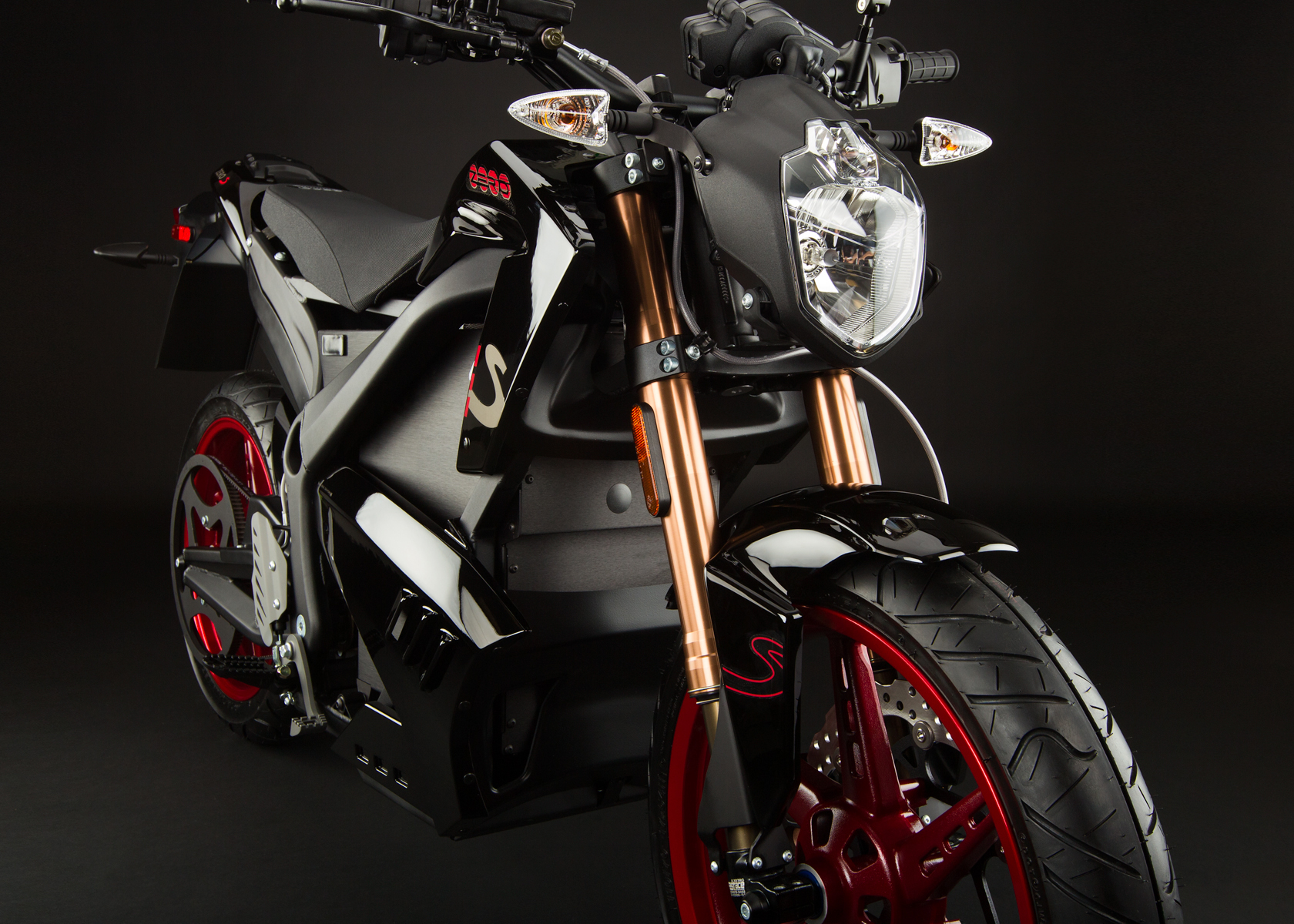 '.2012 Zero S Electric Motorcycle: Front Fork.'