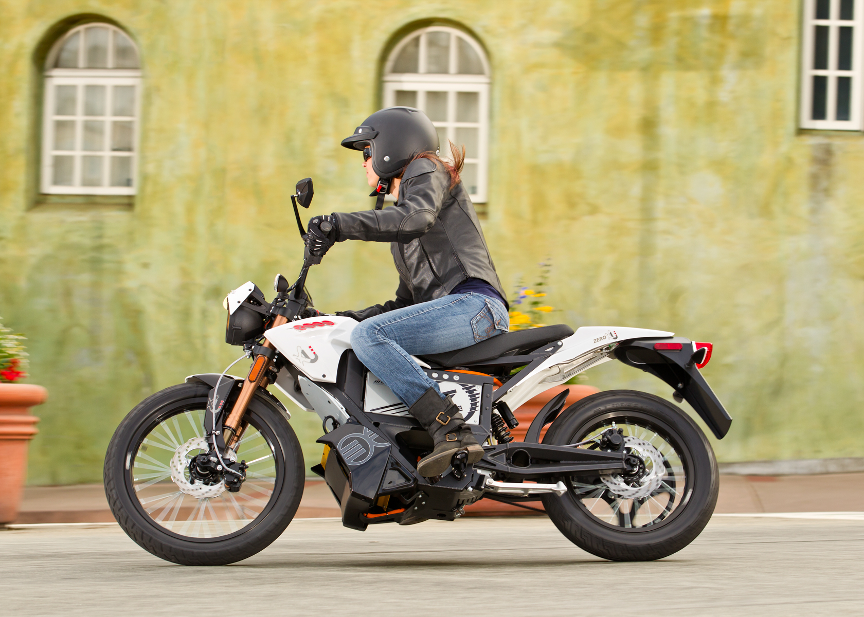 '.2012 Zero XU Electric Motorcycle: Capitola Village.'