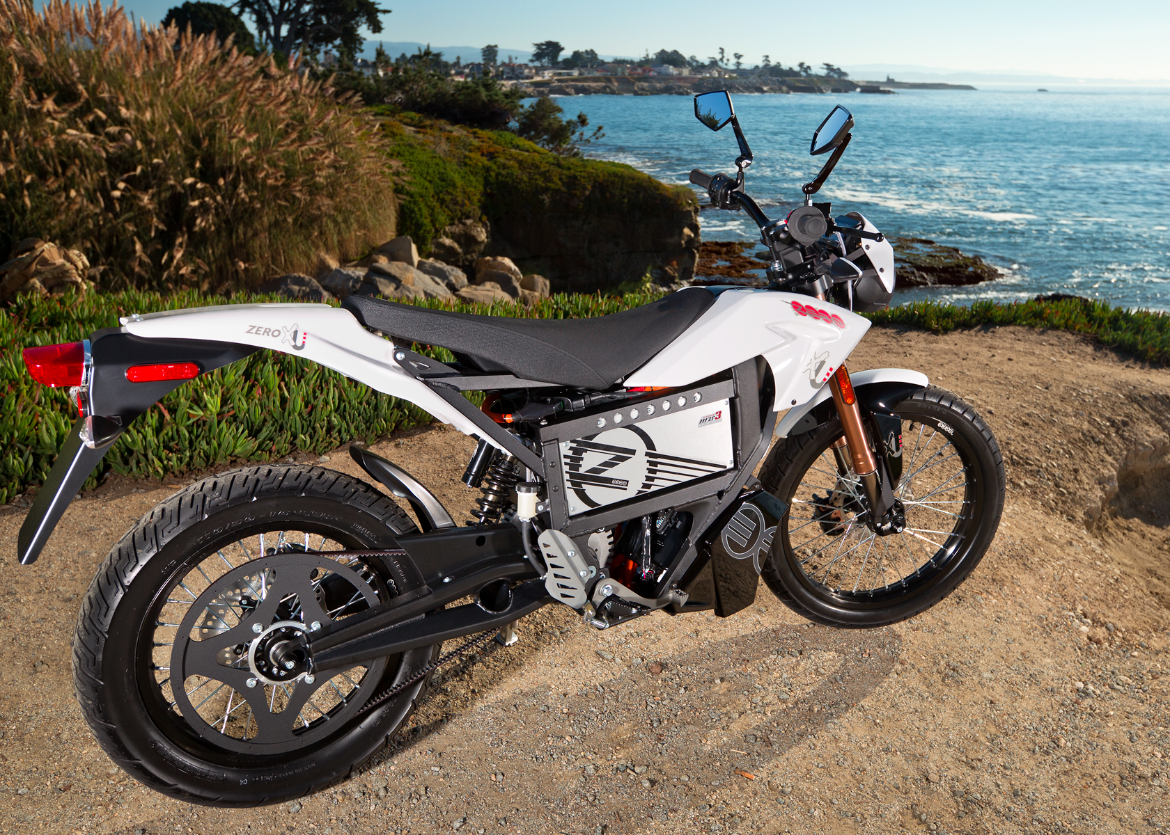 '.2012 Zero XU Electric Motorcycle: Profile, Pacific Ocean.'