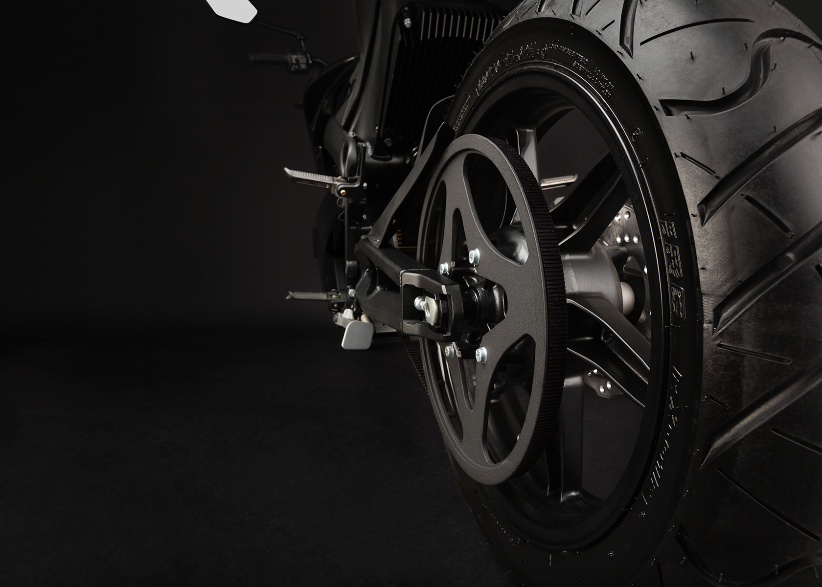 '.2013 Zero S Electric Motorcycle: Belt Drive.'