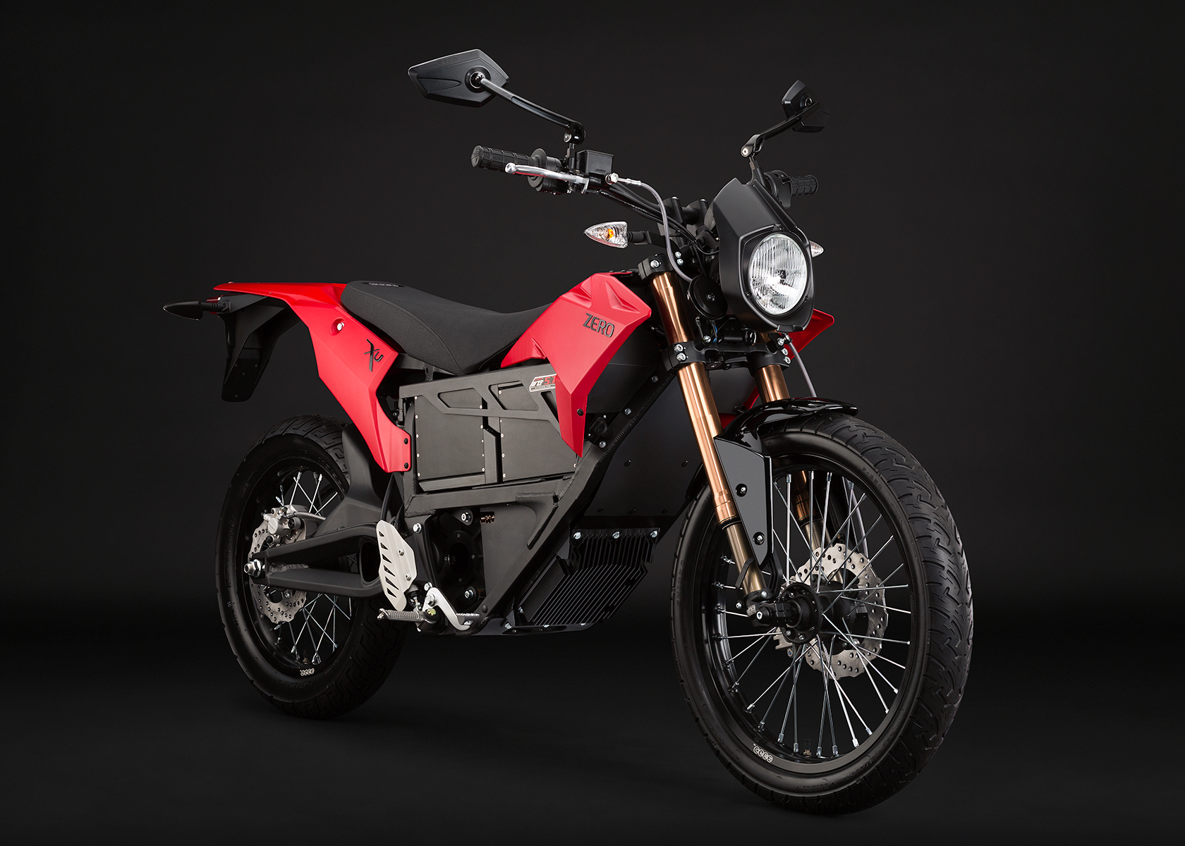2013 Zero XU Electric Motorcycle: Angle Right