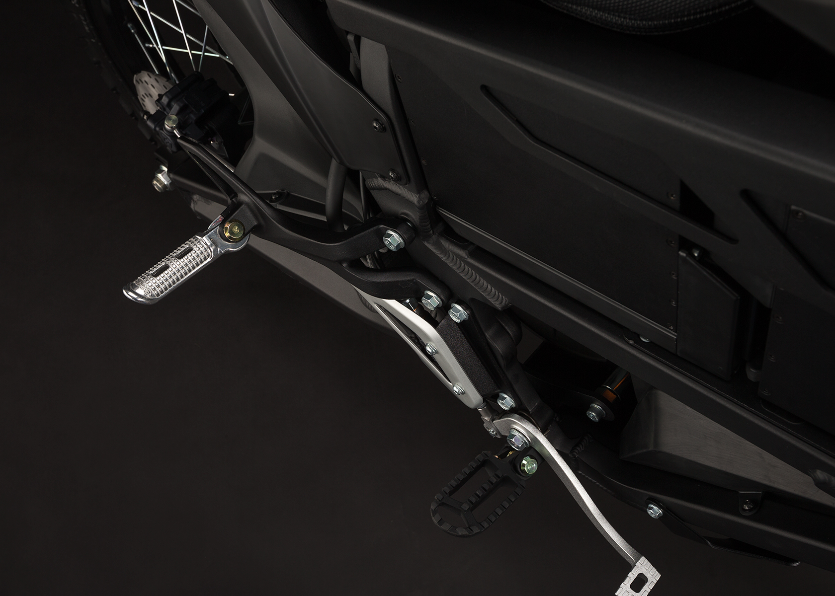 '.2014 Zero FX Electric Motorcycle: Footpegs.'