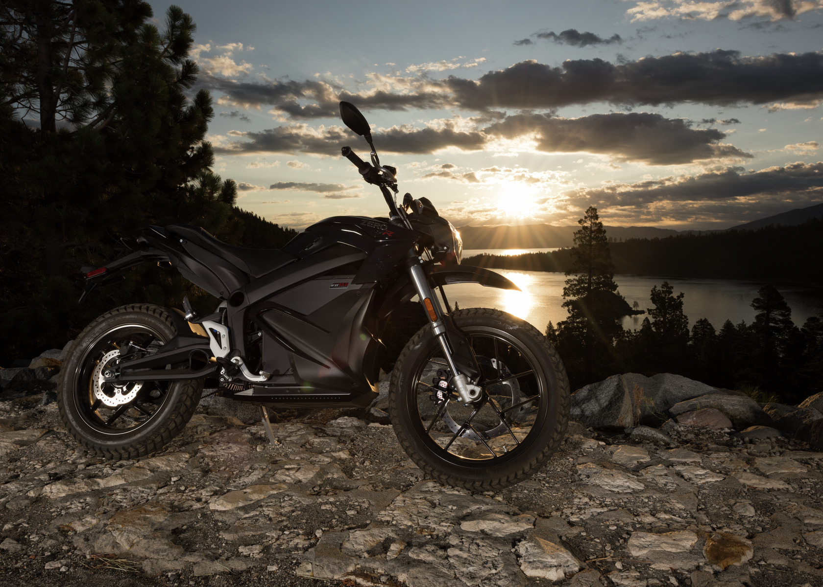 2016 Zero DSR Electric Motorcycle: