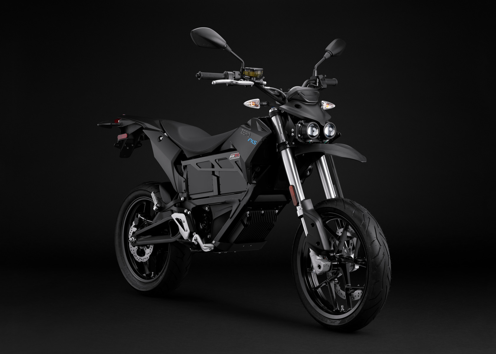 2016 Zero FXS Electric Motorcycle: Angle Right
