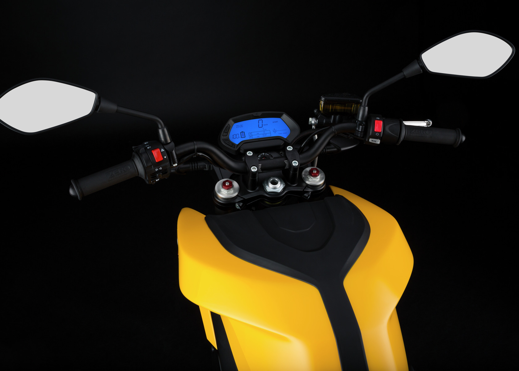 2016 Zero S Electric Motorcycle: Handlebars, Dash and Controls