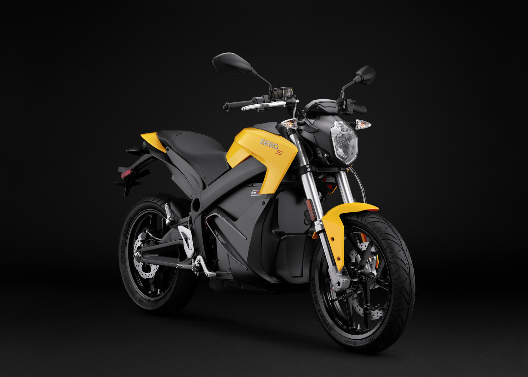 2016 Zero S Electric Motorcycle: Angle Right